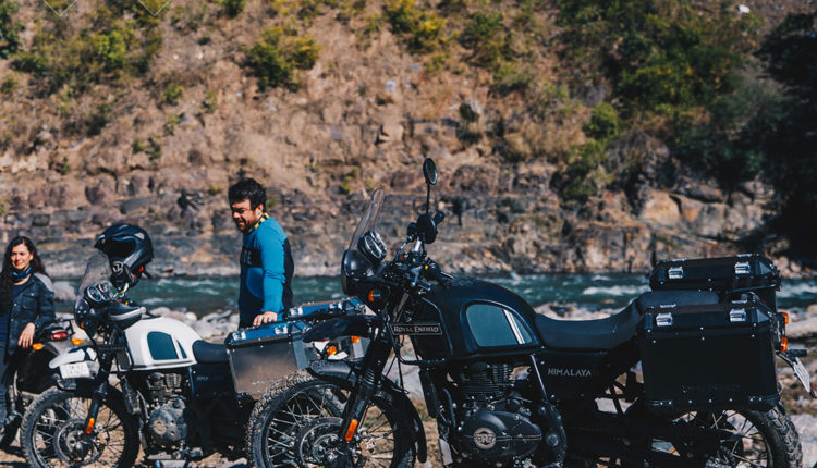 RE Himalayan BS6 New colors Parked